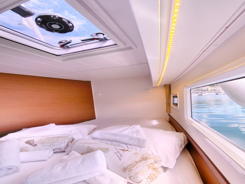 Lagoon 42 (SEA VOYAGER - CREWED)  - 22