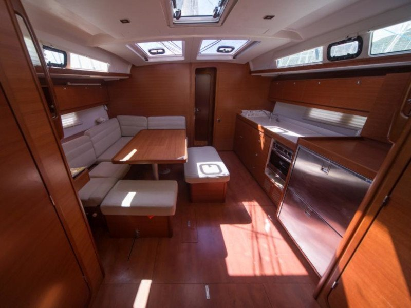 Dufour 460 Grand Large (Maar) Interior image - 1