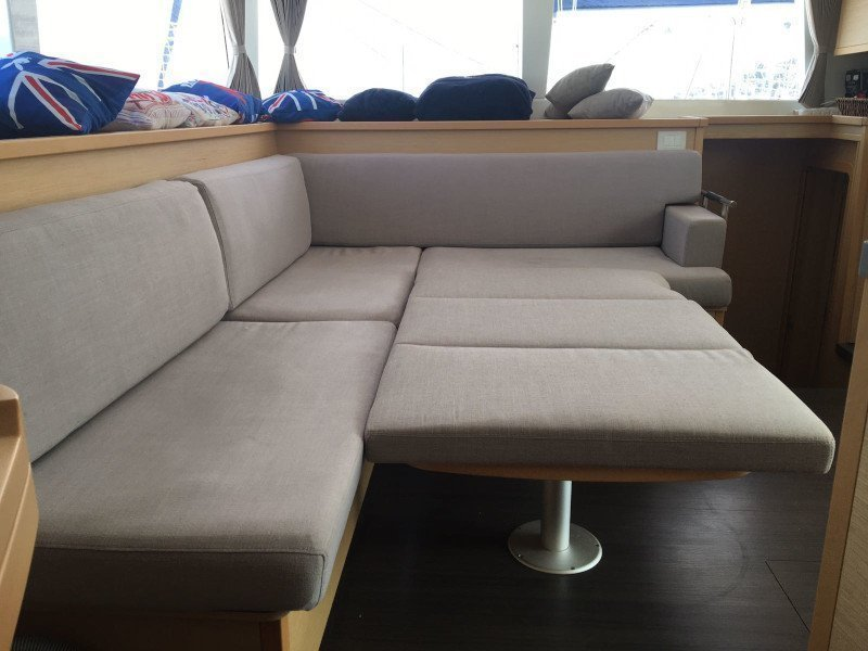 Lagoon 450  Flybridge (Grace)  - 34