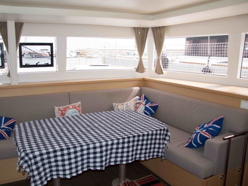 Lagoon 450  Flybridge (Grace) Interior image - 14