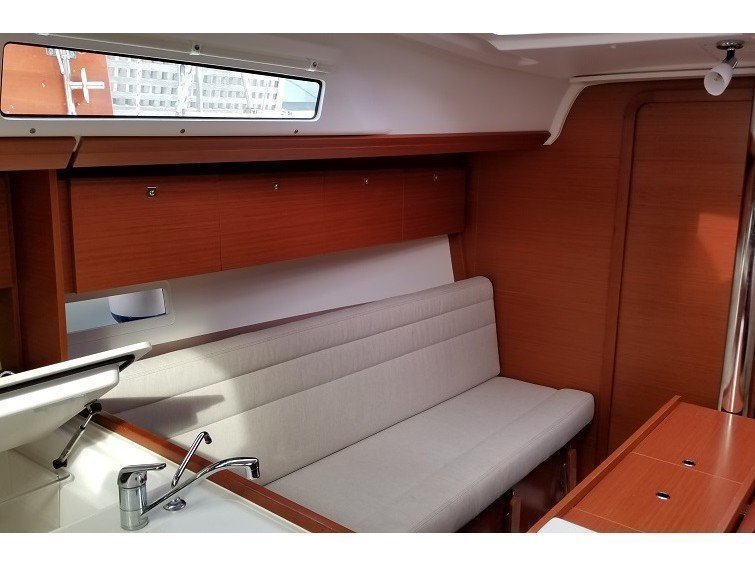 Dufour 350 GL (Friday) Interior image - 4