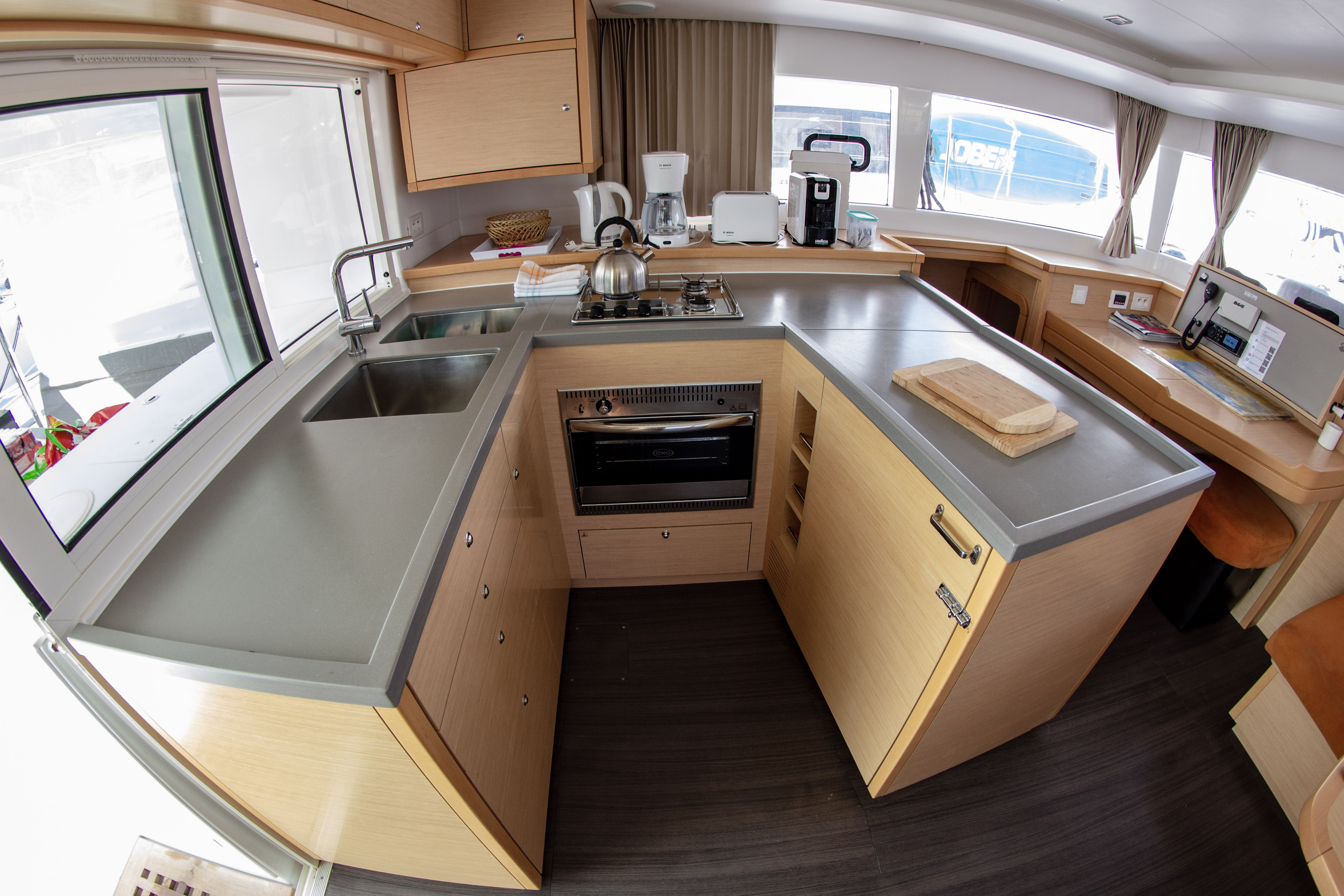 Lagoon 450 (2016) equipped with generator, A/C (sa (SMILE I)  - 16