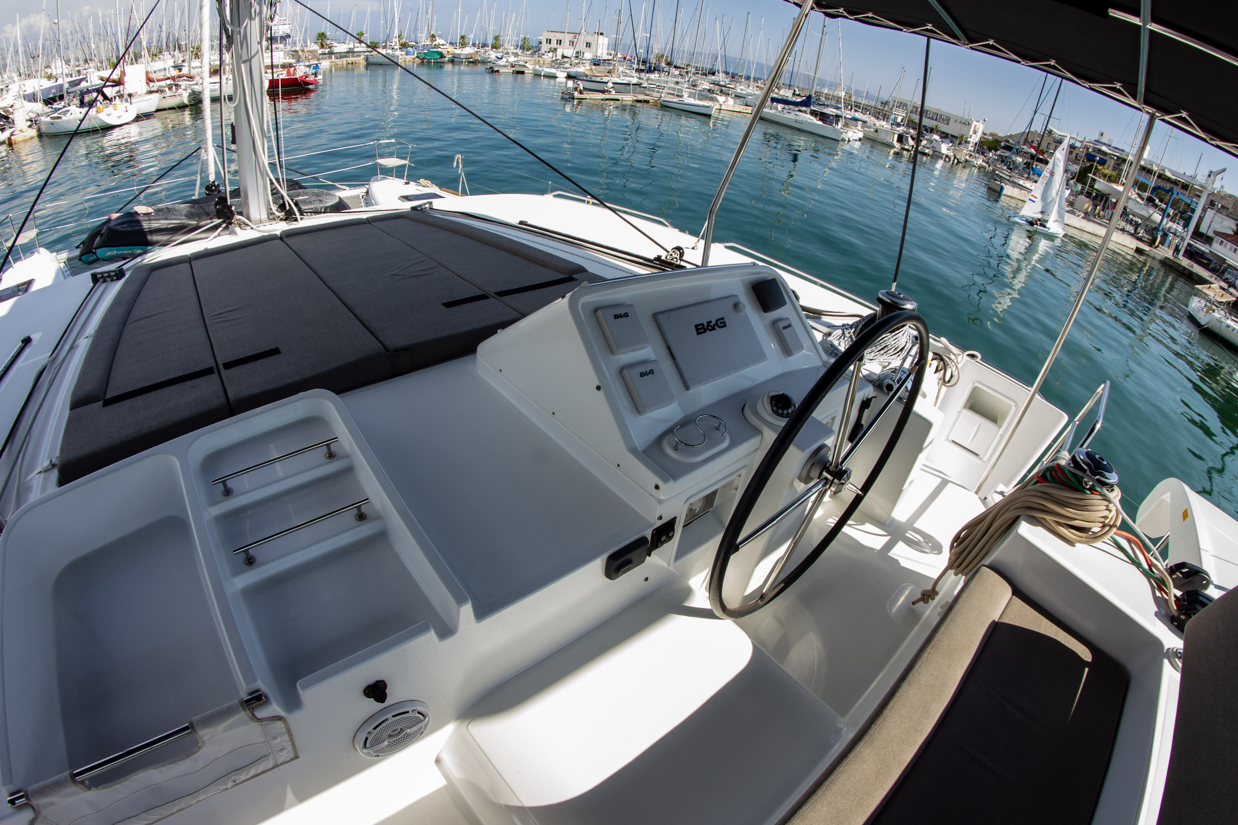 Lagoon 450 (2016) equipped with generator, A/C (sa (SMILE I)  - 24