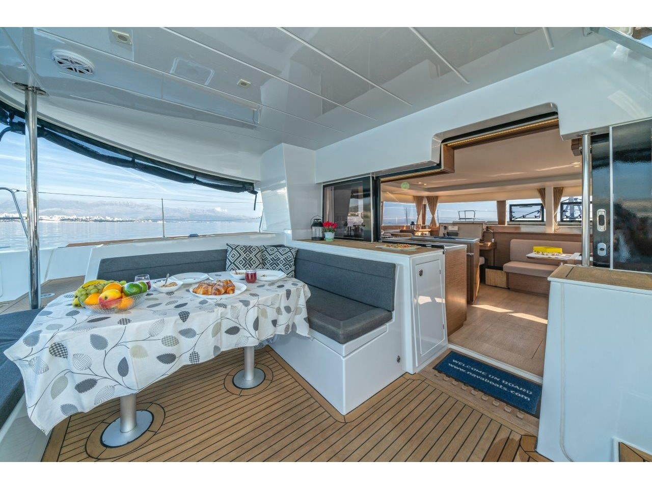 Lagoon 450 Sport LUX equipped with generator, A/C (PRINCESS SOFIA) Interior image - 4