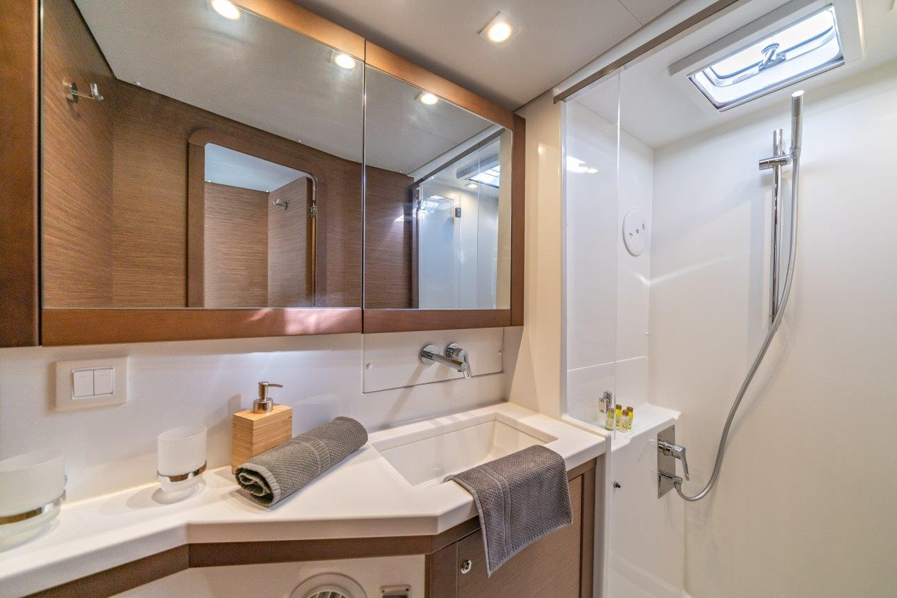 Lagoon 450 Sport LUX equipped with generator, A/C (PRINCESS SOFIA)  - 8