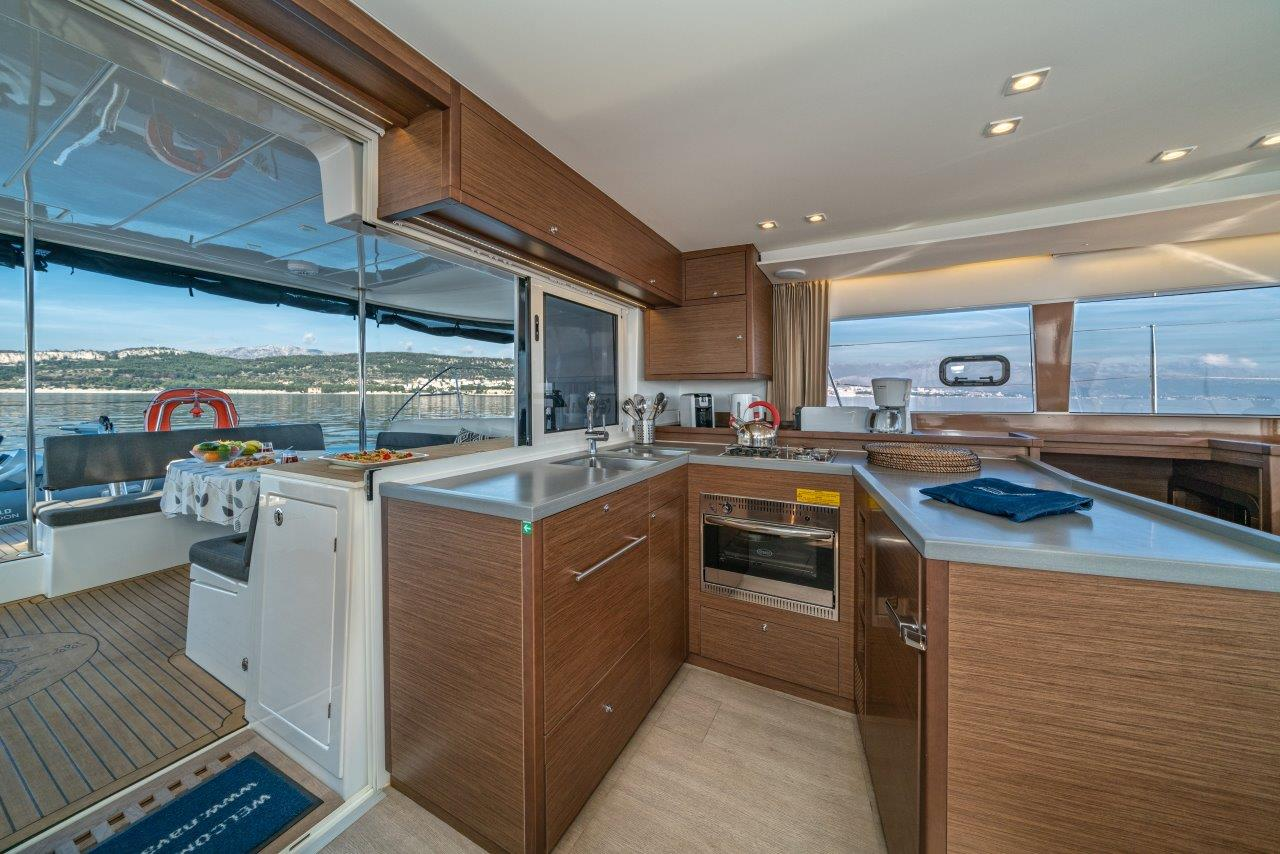 Lagoon 450 Sport LUX equipped with generator, A/C (PRINCESS SOFIA)  - 6