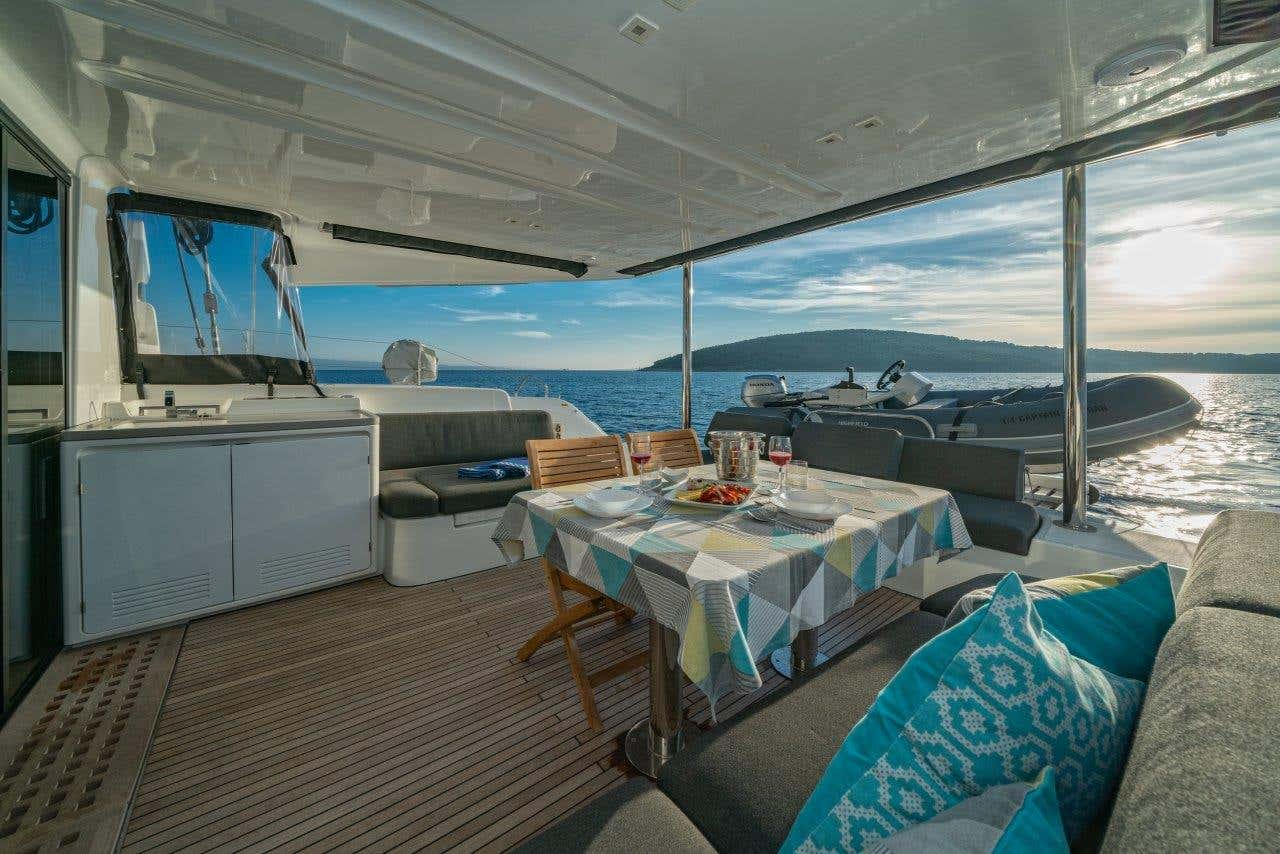 Lagoon 50 (2018)equipped with airconditioning (sal (CAPTAIN MORGAN)  - 7