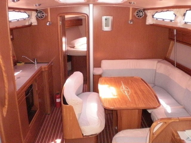 Bavaria 40 Cruiser (Santana can do) Interior image - 5