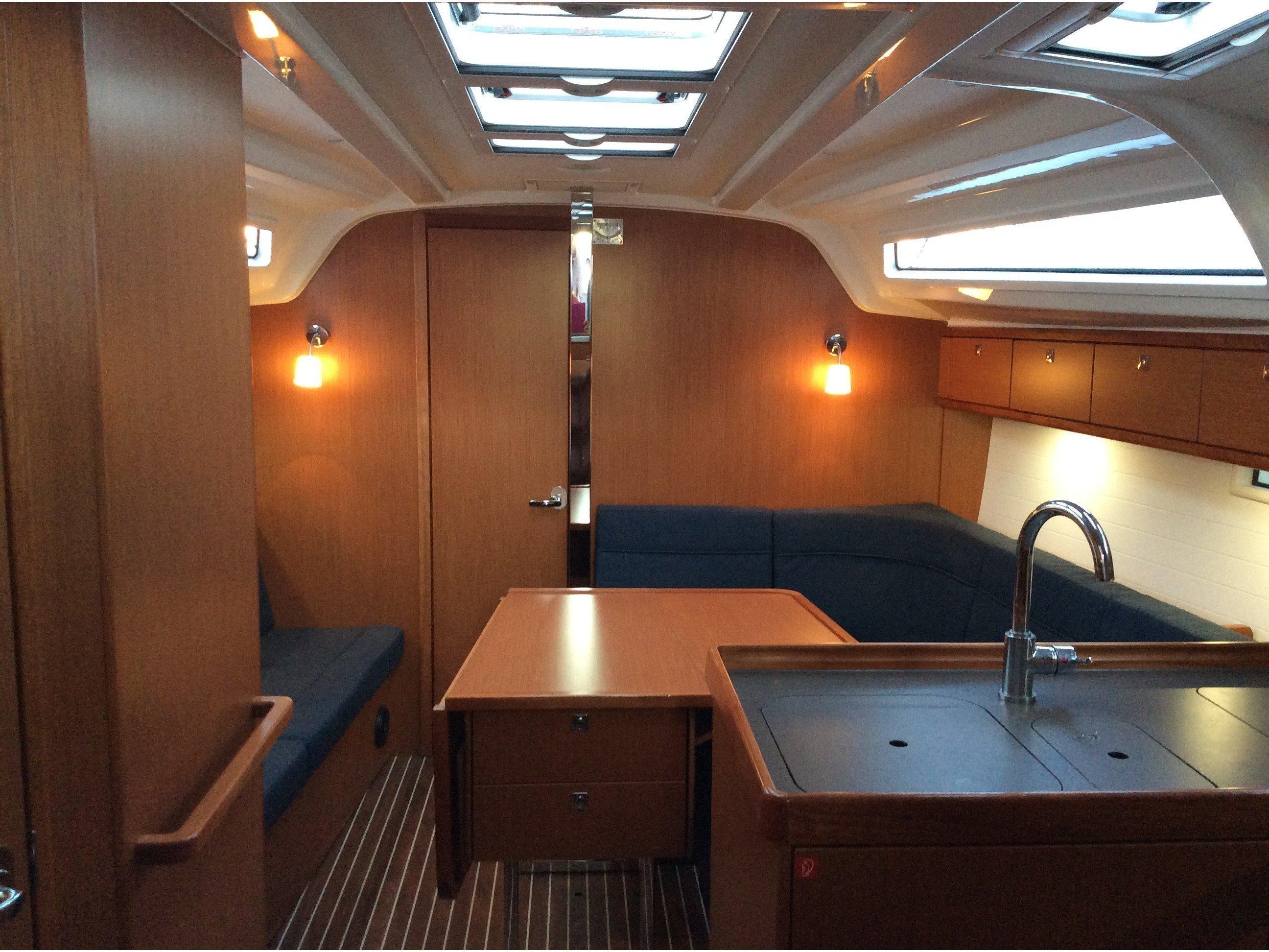 Bavaria Cruiser 37 (Florentia) Interior image - 4
