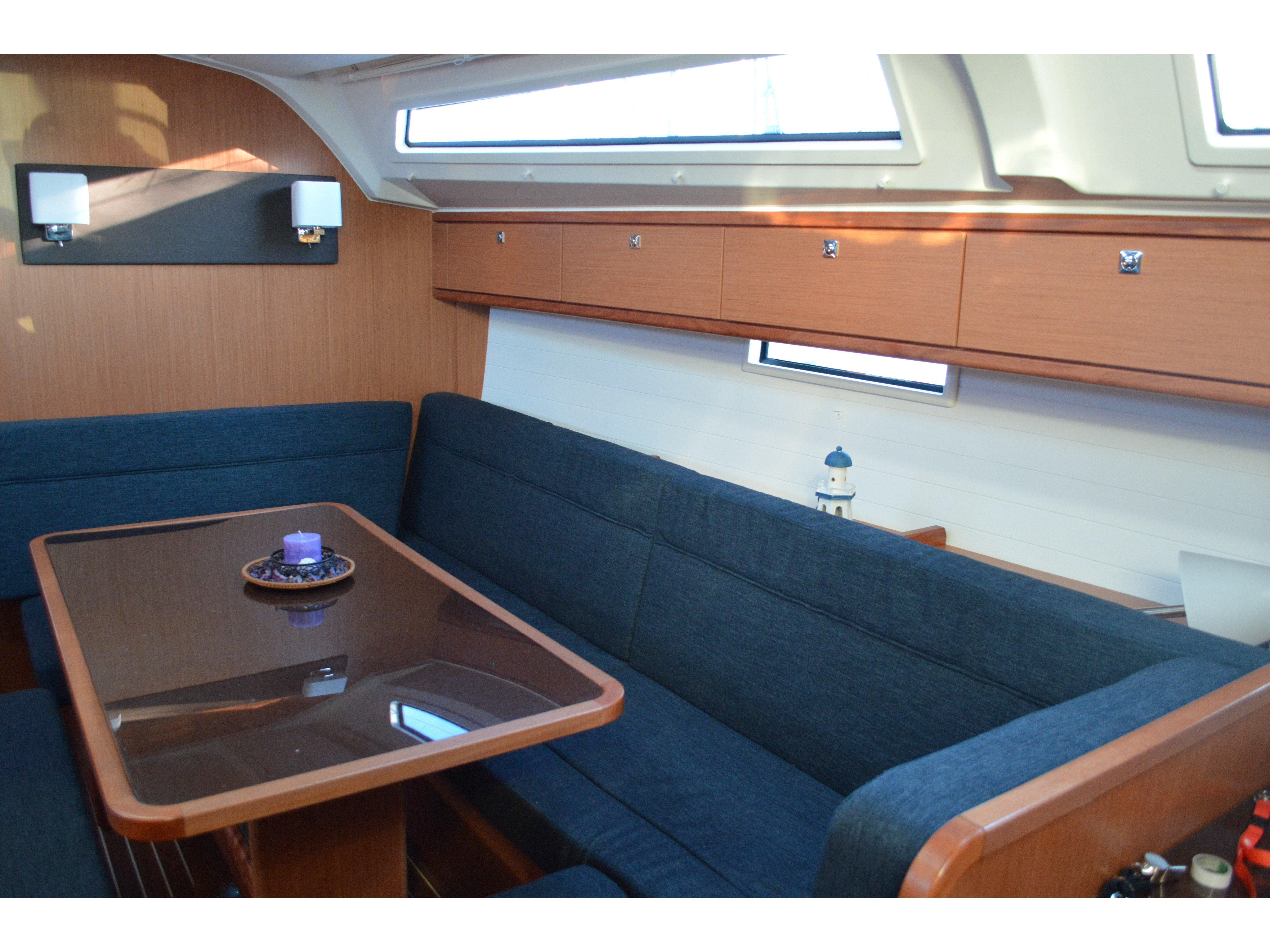 Bavaria Cruiser 41 (Dionysis) Interior image - 4