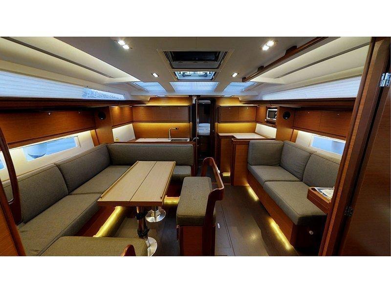 Dufour 520 Grand Large (Maestoso) Interior image - 3