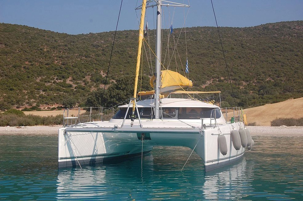 Catamaran Helia 44 Evolution is available for charter in