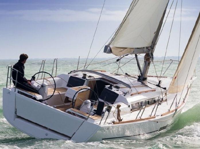 Dufour 350 (White Pearl) Main image - 0