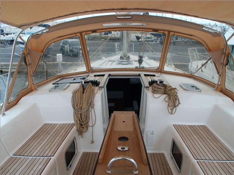 Dufour 445 GL 6 pax (Ambiente V) cockpit image - 5