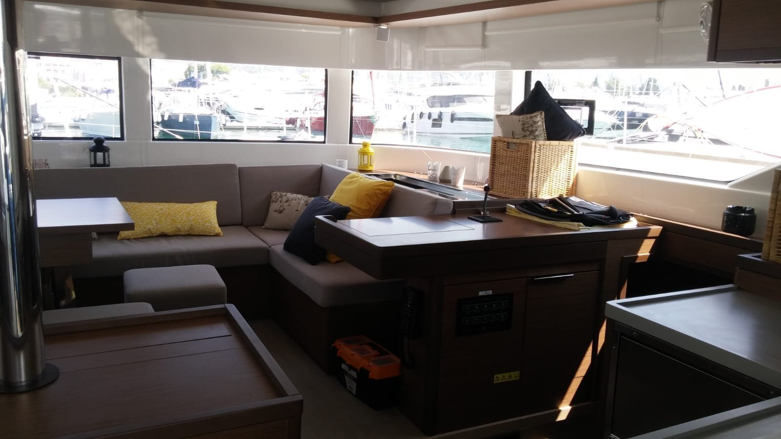 Lagoon 50 Fly (SUMMER STAR (with WATERMAKER, generator and AC, dinghy with OB 40 HP))  - 9