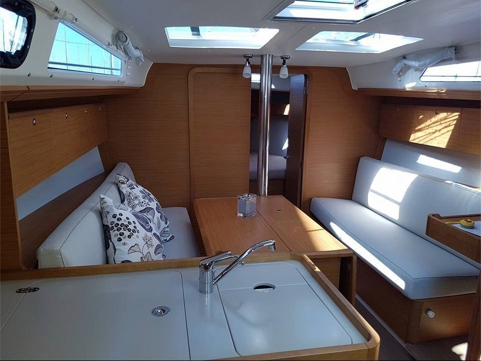 Dufour 360 Grand Large (Ana) Interior image - 5