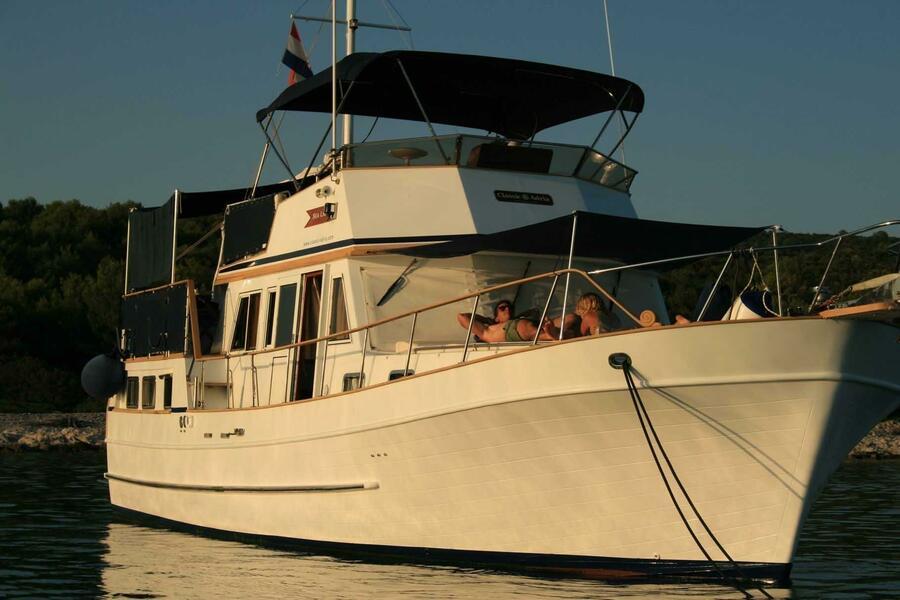 Hampton 42 (SEA LION)  - 25