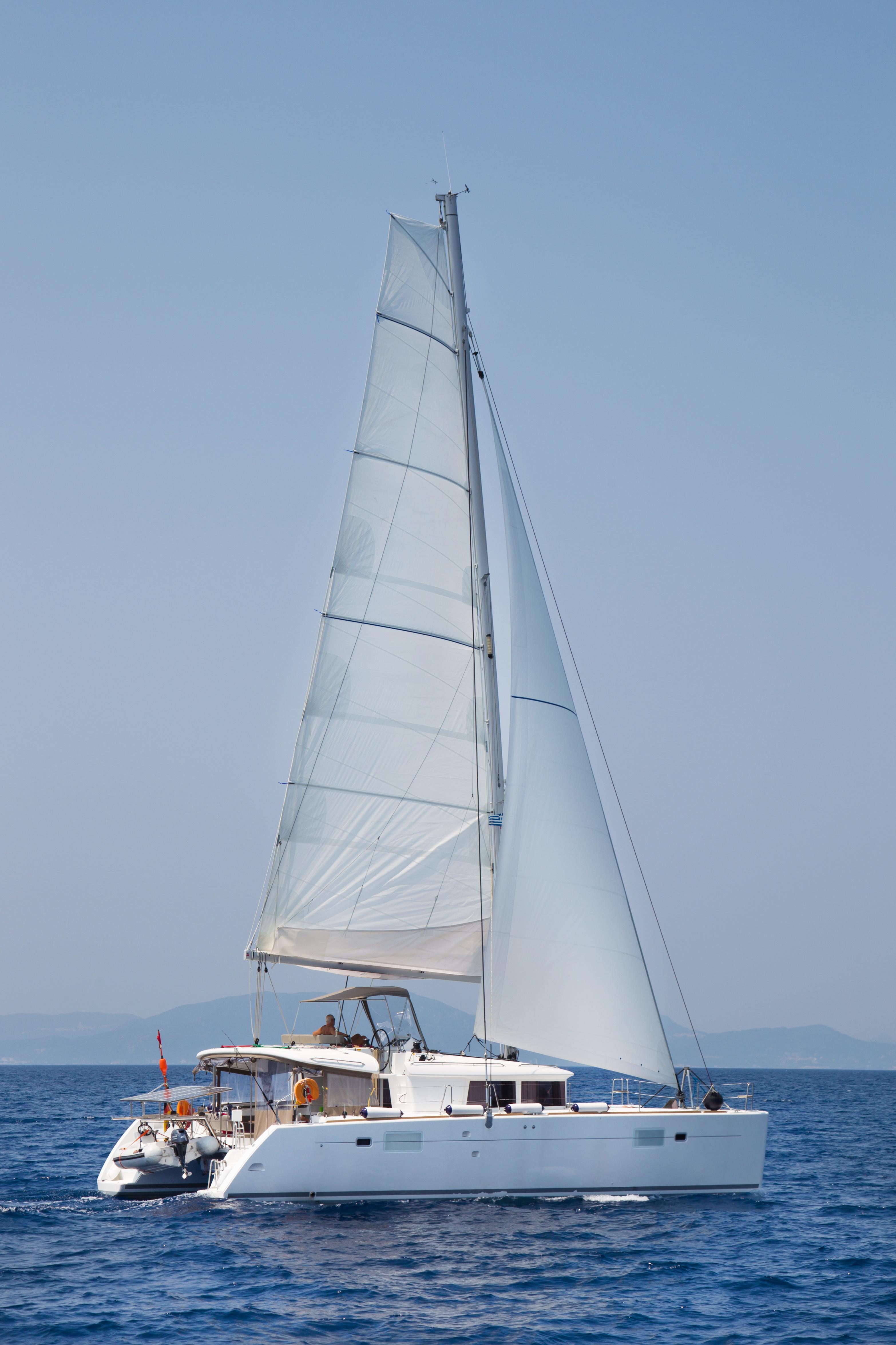 Lagoon 450F (Lipopette) sailing _view2 - 3