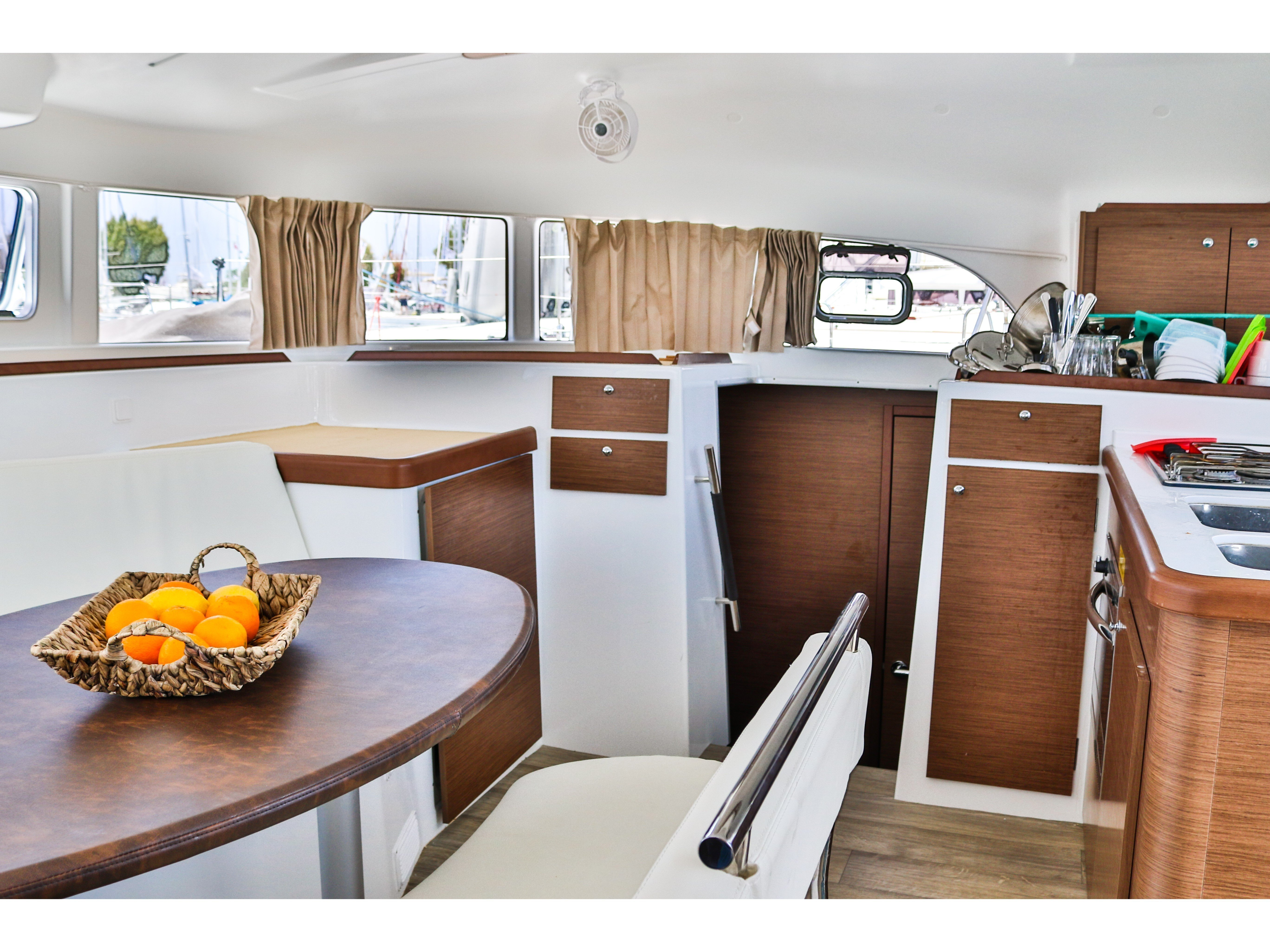 Lagoon 380 (Tiny K. ( inverter-solar panels )) Interior image - 13