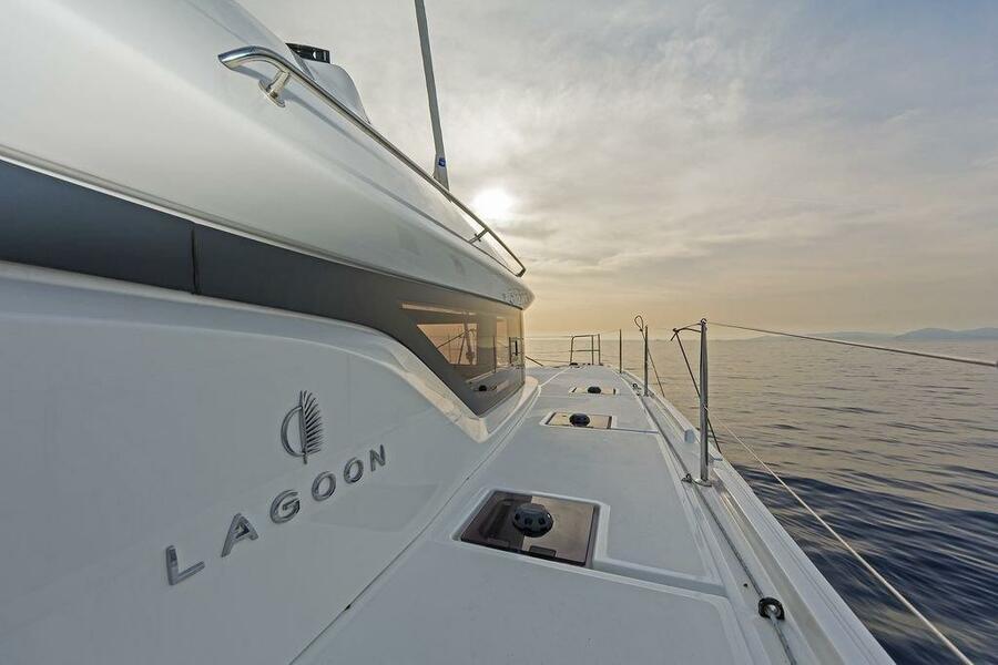 Lagoon 50 (HAPPY FEET)  - 5