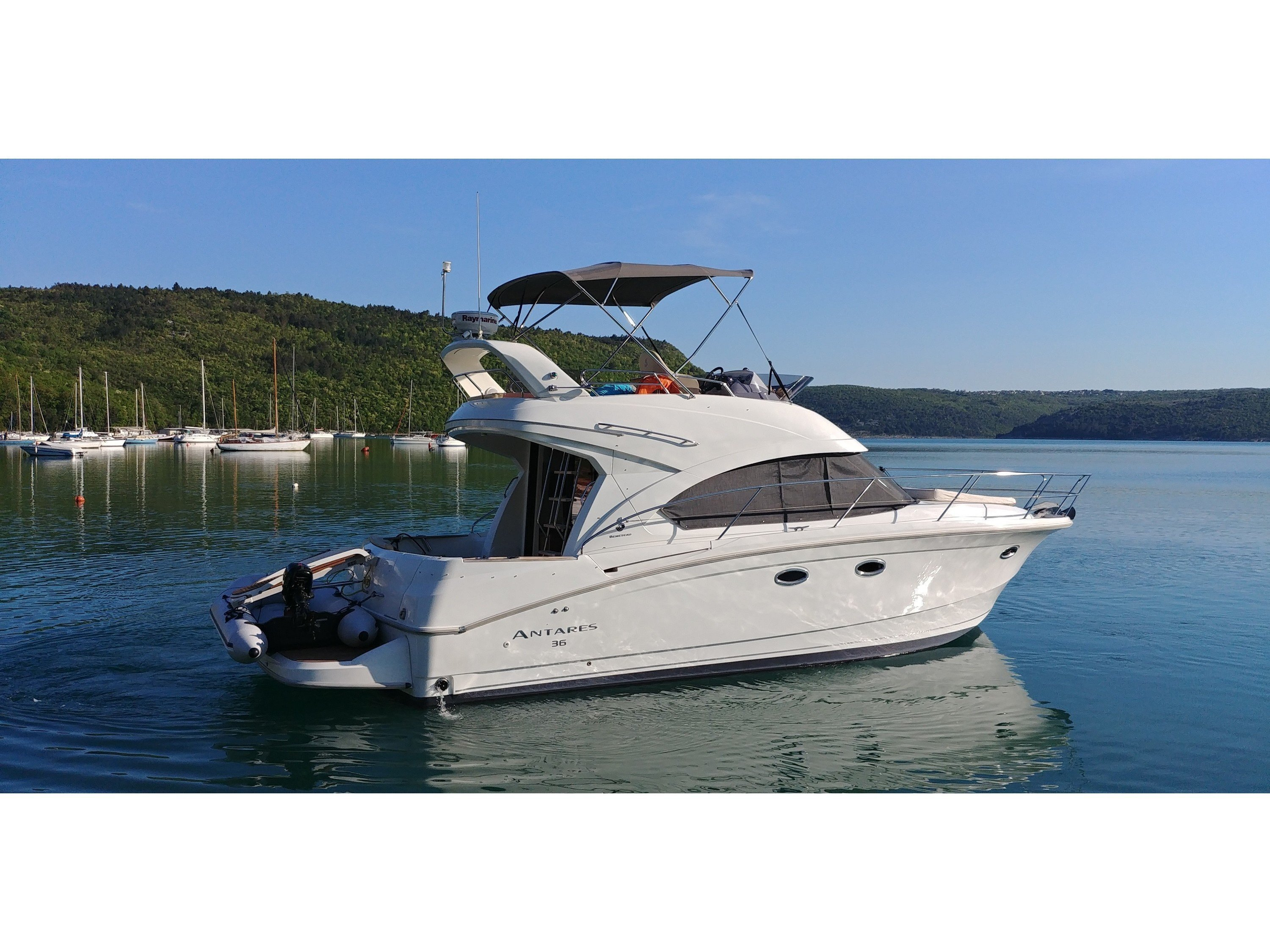 Beneteau Antares 36 Fly (JOIA) Main image - 0