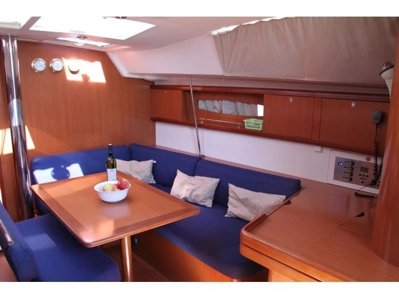 Oceanis 46 (Pain Killer) Interior image - 2