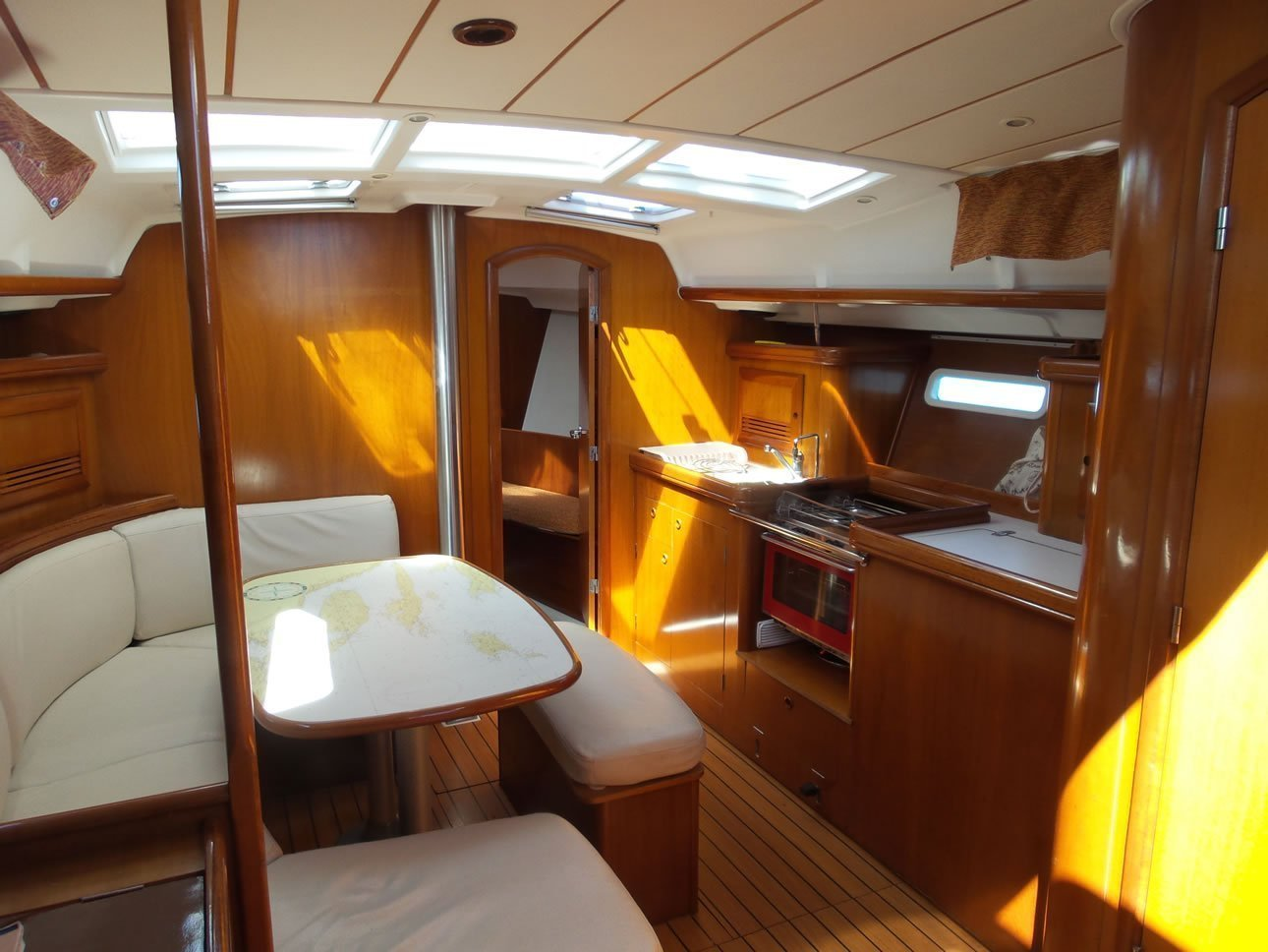 Oceanis 393 Clipper (Škuribanda (short terms offers on request)) Interior image - 16