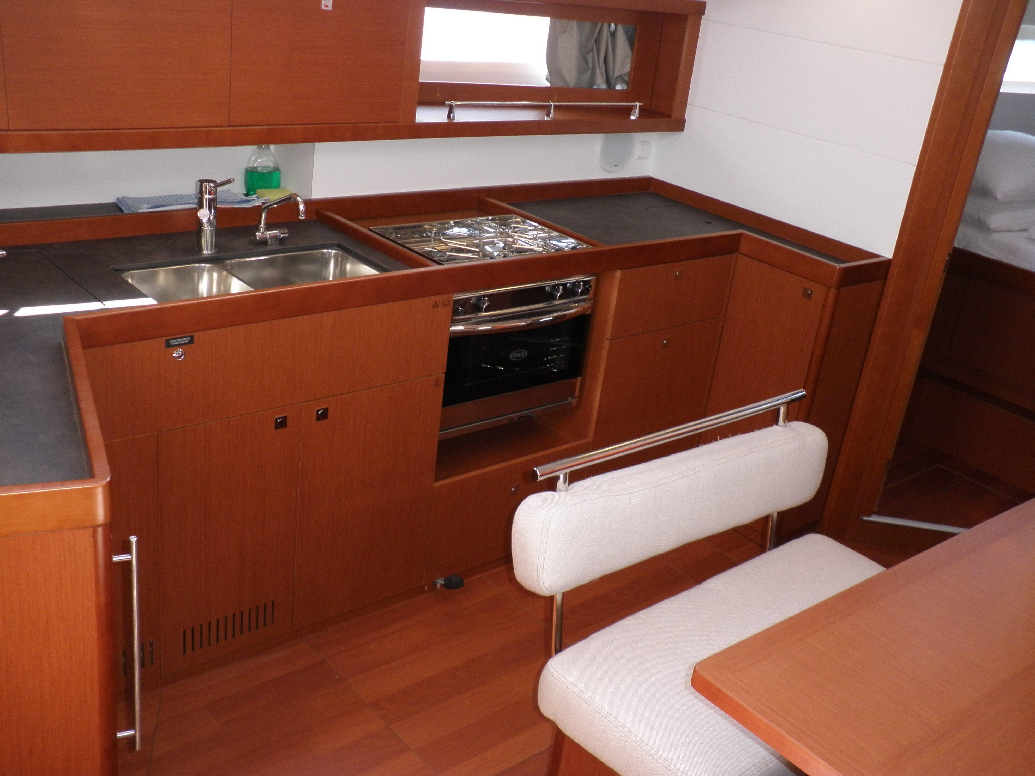 Oceanis 45- 4 cab (VESNA)  - 4