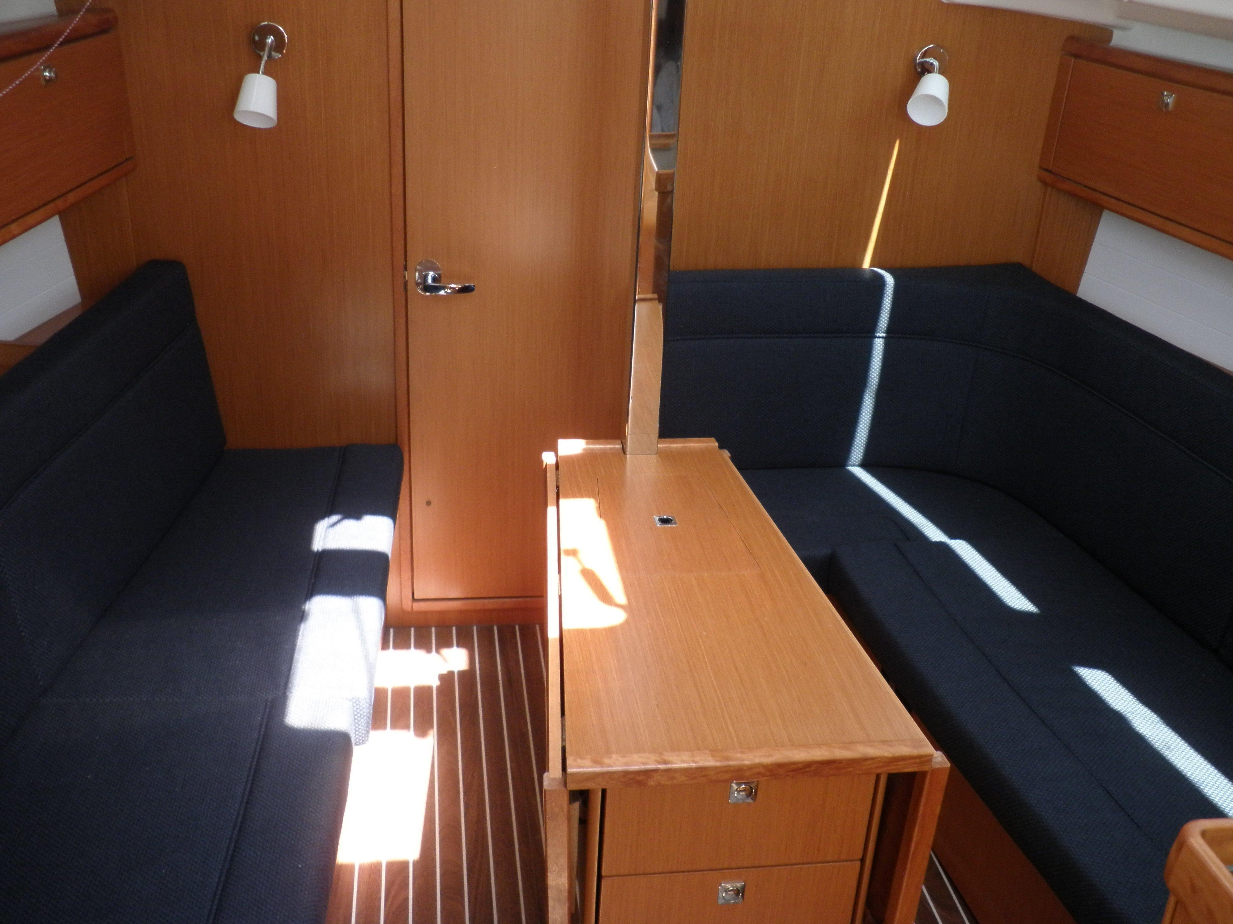 Bavaria Cruiser 34 (TAKA) Interior image - 2