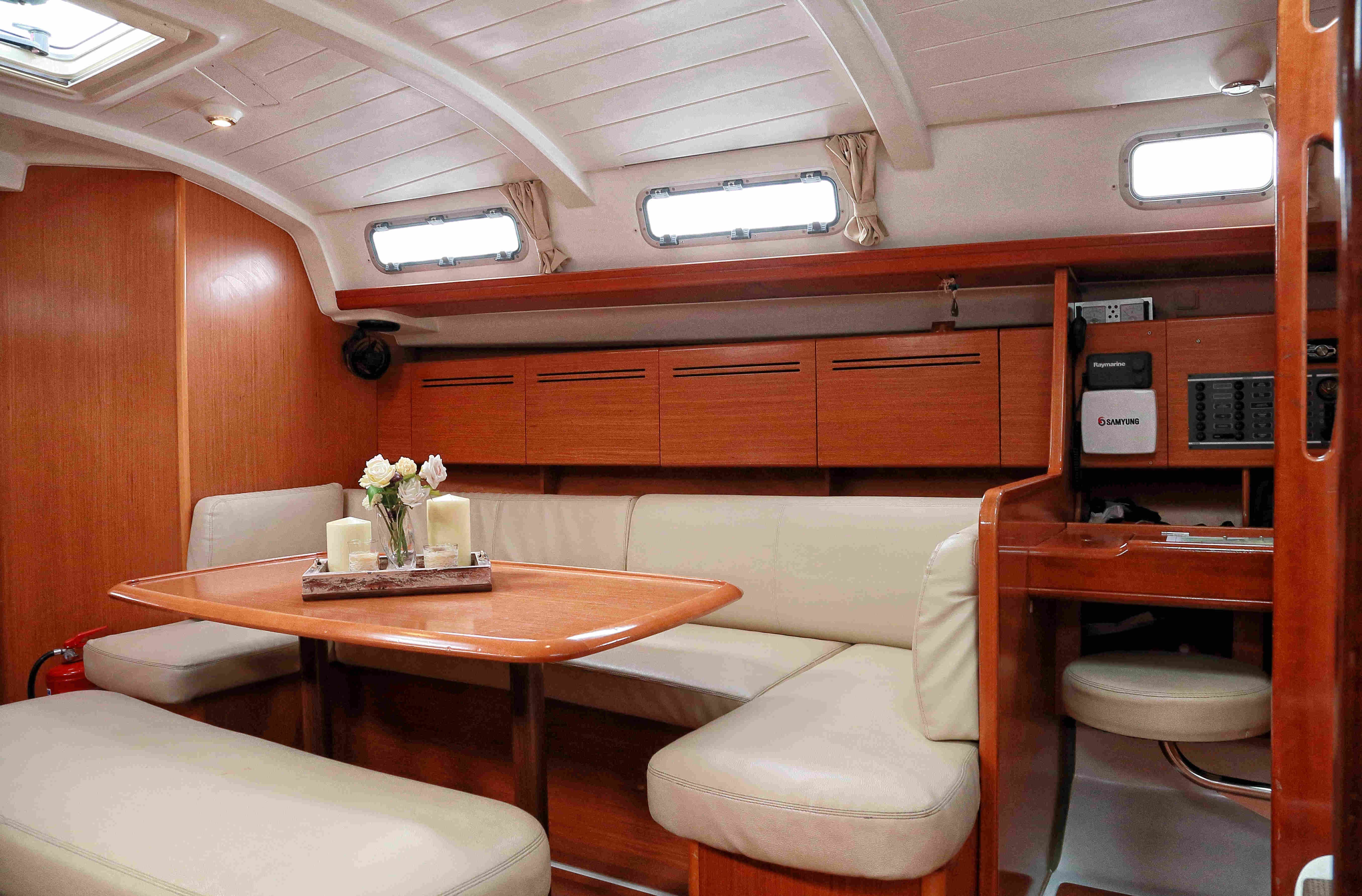 Cyclades 43.4 (Hermes) Interior image - 5