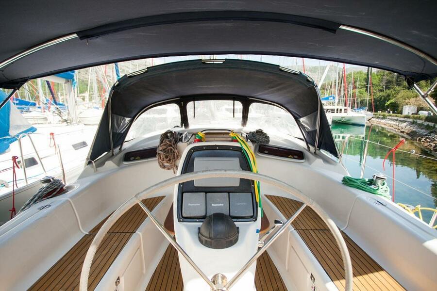 Bavaria 37 Cruiser (Mare)  - 25