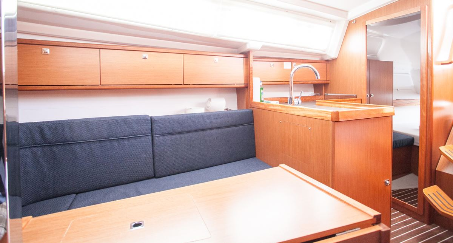 Bavaria Cruiser 34 (Valdo)  - 8