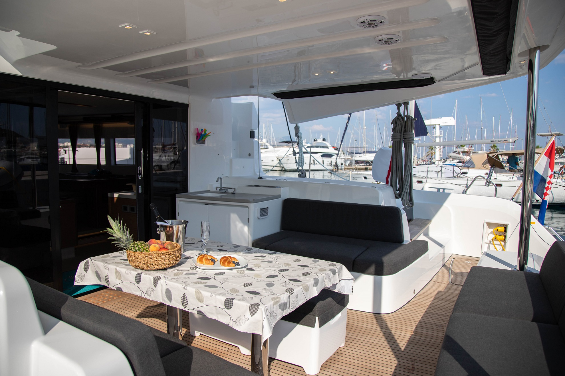 Lagoon 50 LUX elegance (2019) equipped with aircon (TWIN JOY)  - 1