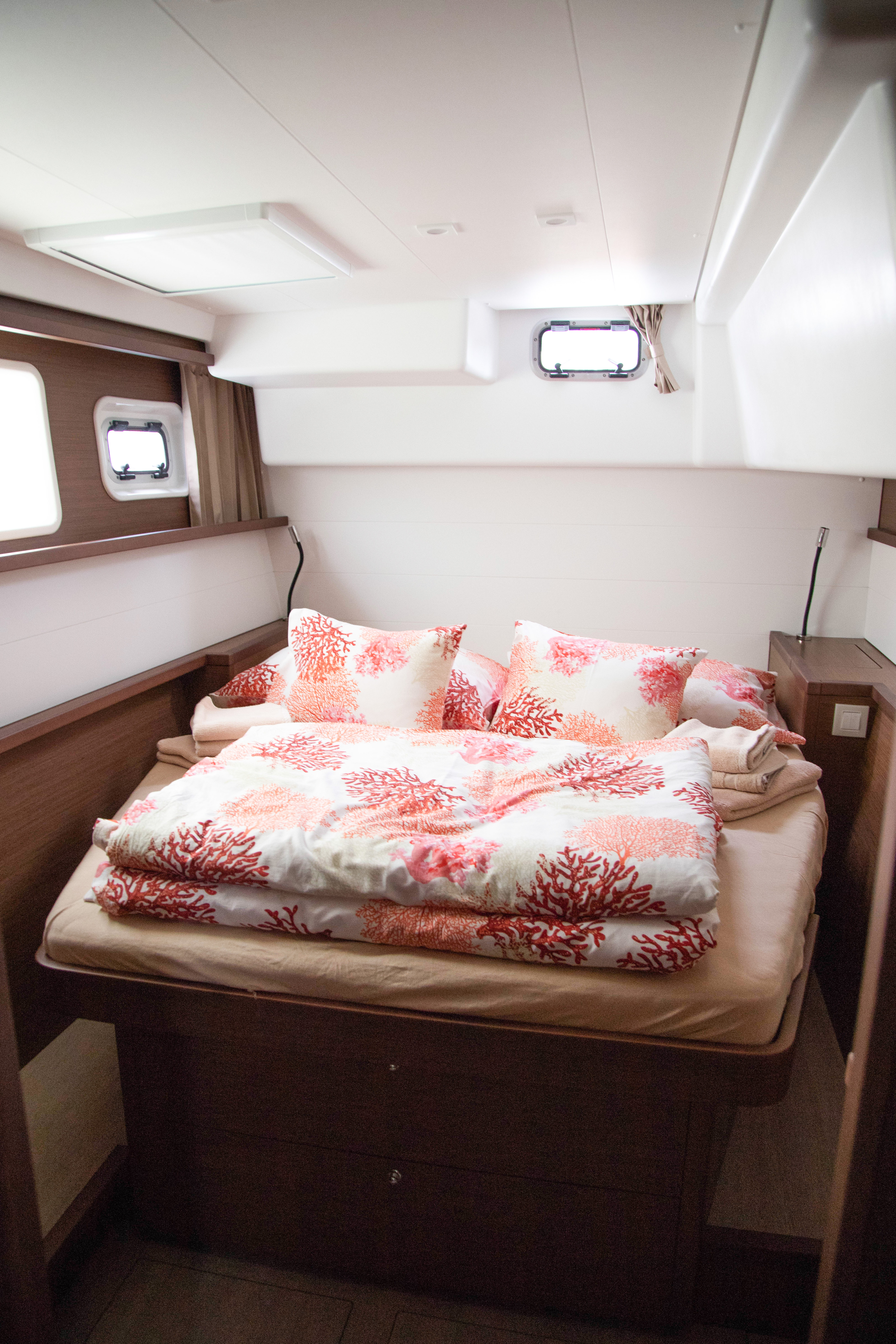 Lagoon 450 Sport (2019) equipped with generator, A (VJERA)  - 2