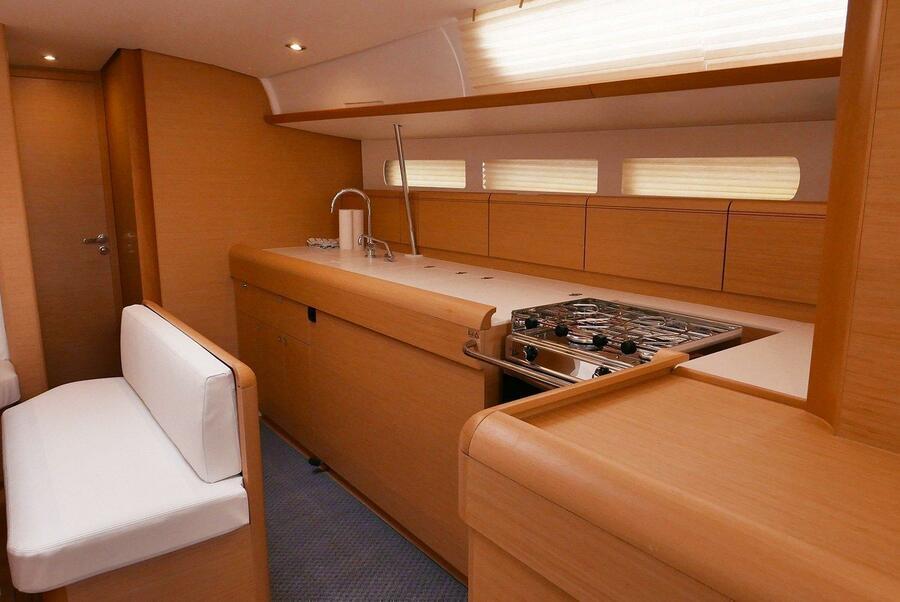 Sun Odyssey 519 (Impavida) kitchen - 8