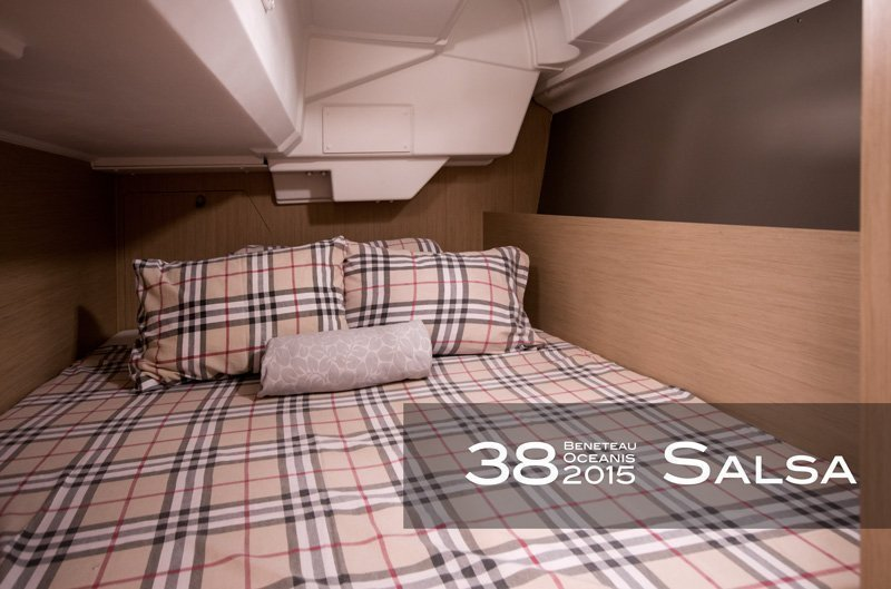 Oceanis 38 (3 cabins) (Salsa)  - 11