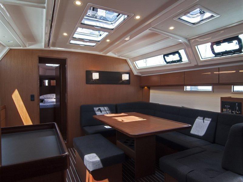 Bavaria Cruiser 46 (Adria Mimi) Interior image - 14