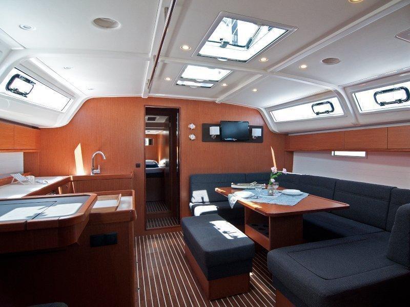 Bavaria Cruiser 51 (Adria Star) Interior image - 12