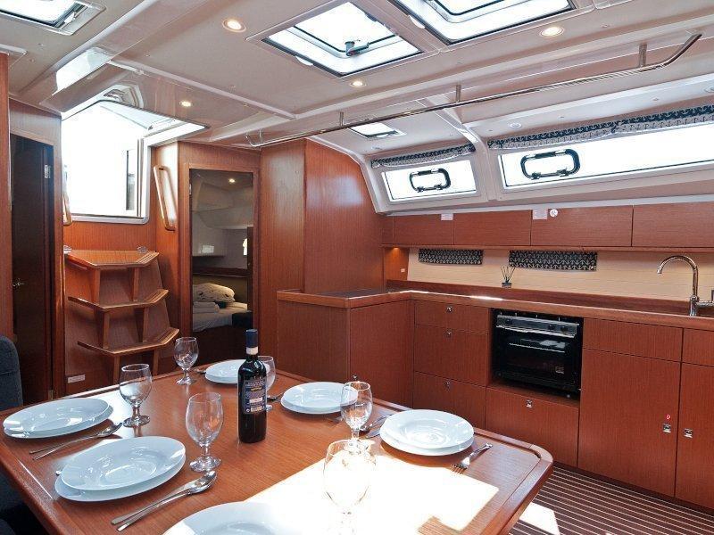 Bavaria Cruiser 46 (Adria Wind) Interior image - 2