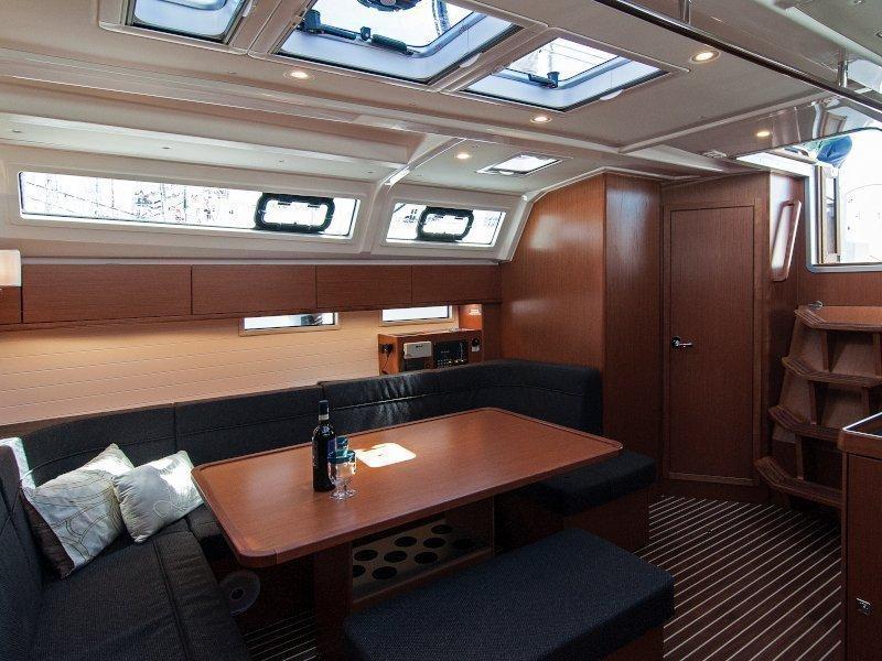 Bavaria Cruiser 46 (Adria Kristina) Interior image - 8