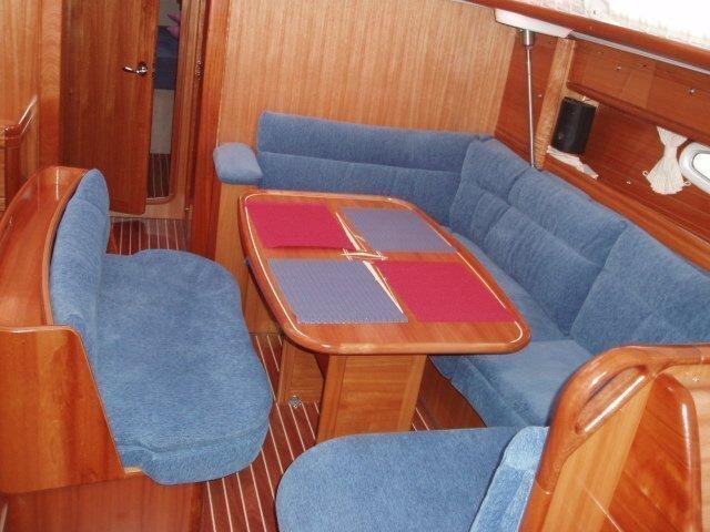 Bavaria 46 Cruiser (Mary Ann) Interior image - 2