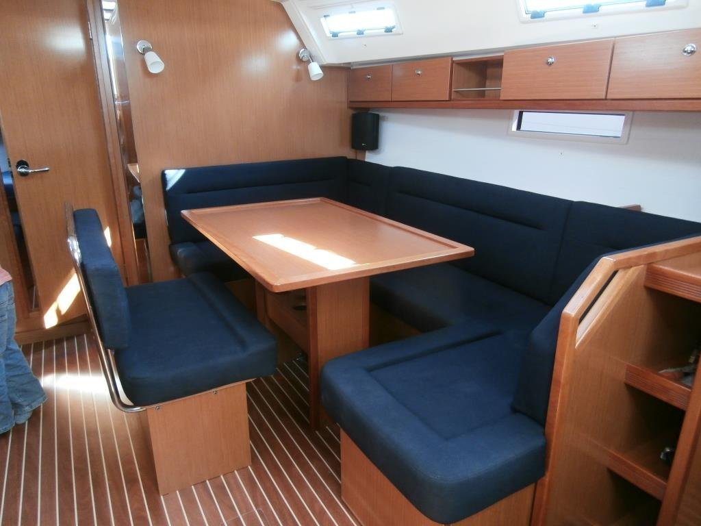 Bavaria Cruiser 40 (Monika) Interior image - 4