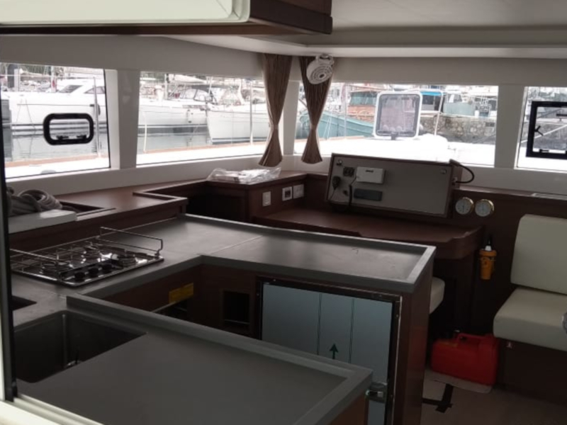 Lagoon 450  Flybridge (Aeolian Dream) Interior image - 16