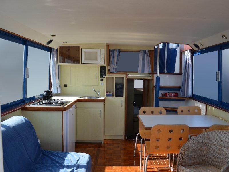 Safari Houseboat 1050 D (Sunshine) Interior image - 1