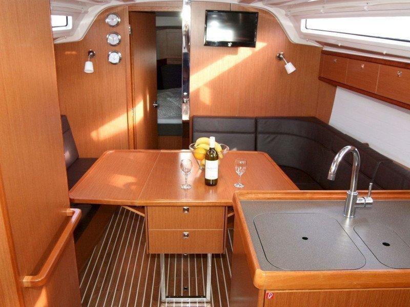 Bavaria Cruiser 37 (Bibi) Interior image - 3
