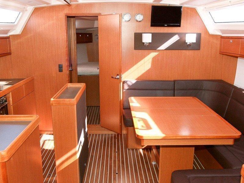 Bavaria Cruiser 46 (Beef) Interior image - 4