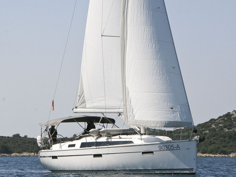Bavaria Cruiser 37 - 2 cab (Swing) Main image - 0