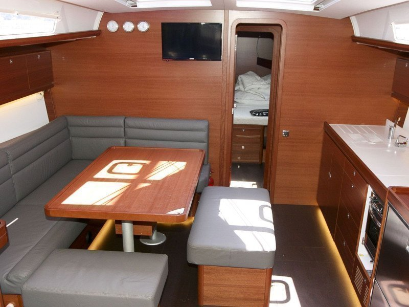 Dufour 460 Grand Large (Gabriel II) Interior image - 1