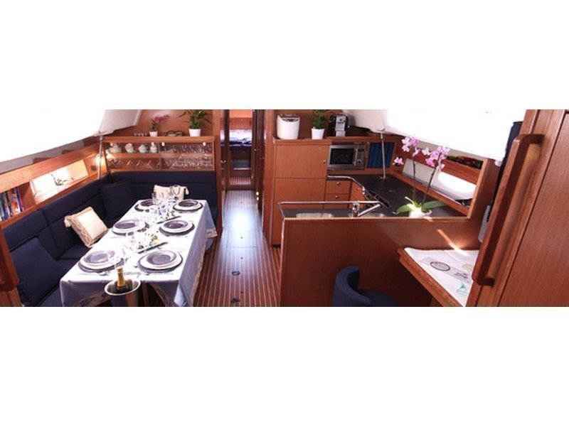 Bavaria 51 Cruiser (Lady Rose) Interior image - 3