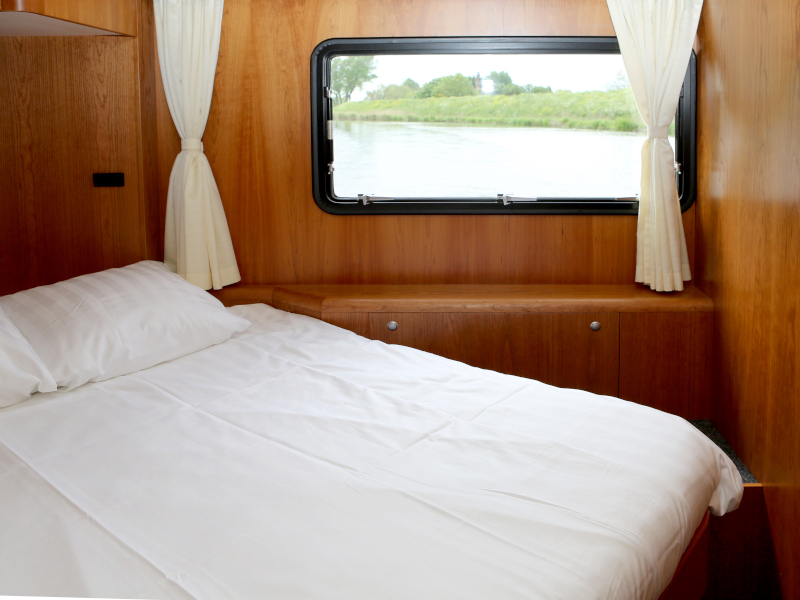 Pacific Allure 155 (Royal)  - 37